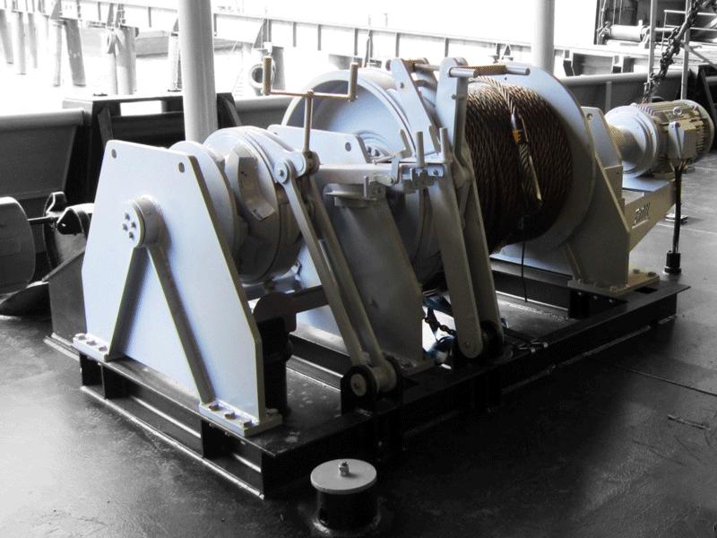 Foto einer an Deck montierten Ankerwinde von Dromec